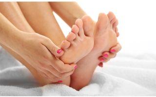 Как можно удалить сухую мозоль на пальце ноги?