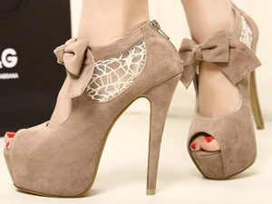 Обувь на высоких каблуках - причина мозолей