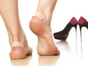 Тесная обувь - причина появления мозолей