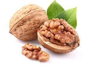 Грецкие орехи при борьбе с бородавками