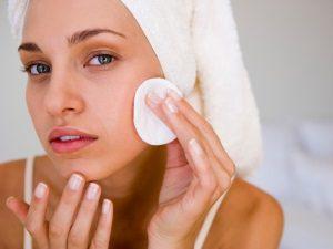 Очищение кожи лица - профилактика атером