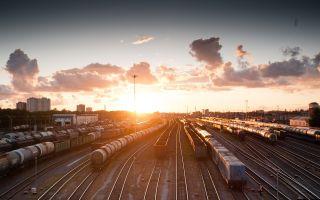 Дізнайтеся про переваги і недоліки залізничного транспорту