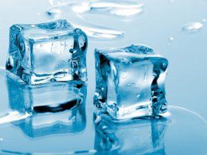Польза льда для удаления родинок