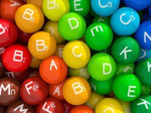 Польза витаминов при лечении родинок