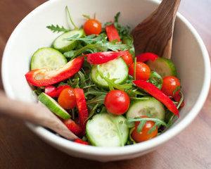 диетический салат из зелени