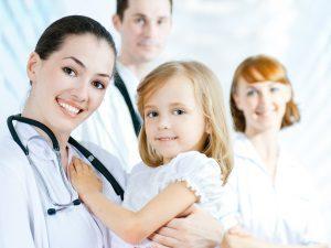 Консультация врача при возникновении атеромы