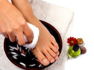 Польза ванночки для ног при мозолях